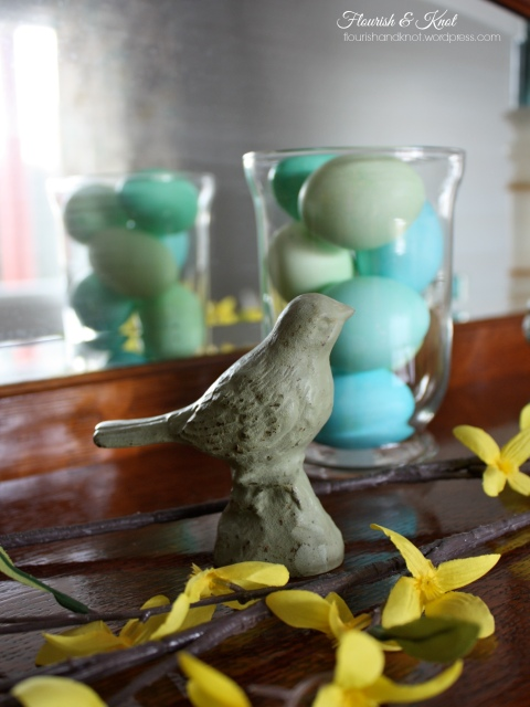 Charming spring decor | Flourish & Knot
