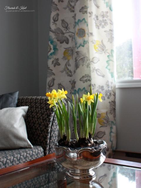Cheerful spring decor | Flourish & Knot