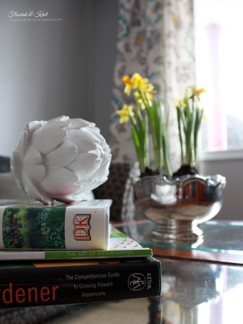 Stylish and cheerful spring decor | Flourish & Knot