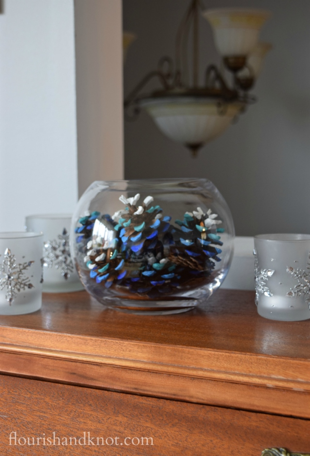 Flourish & Knot's 2015 Christmas Home Tour | flourishandknot.com | Ombré blue and white painted pinecones